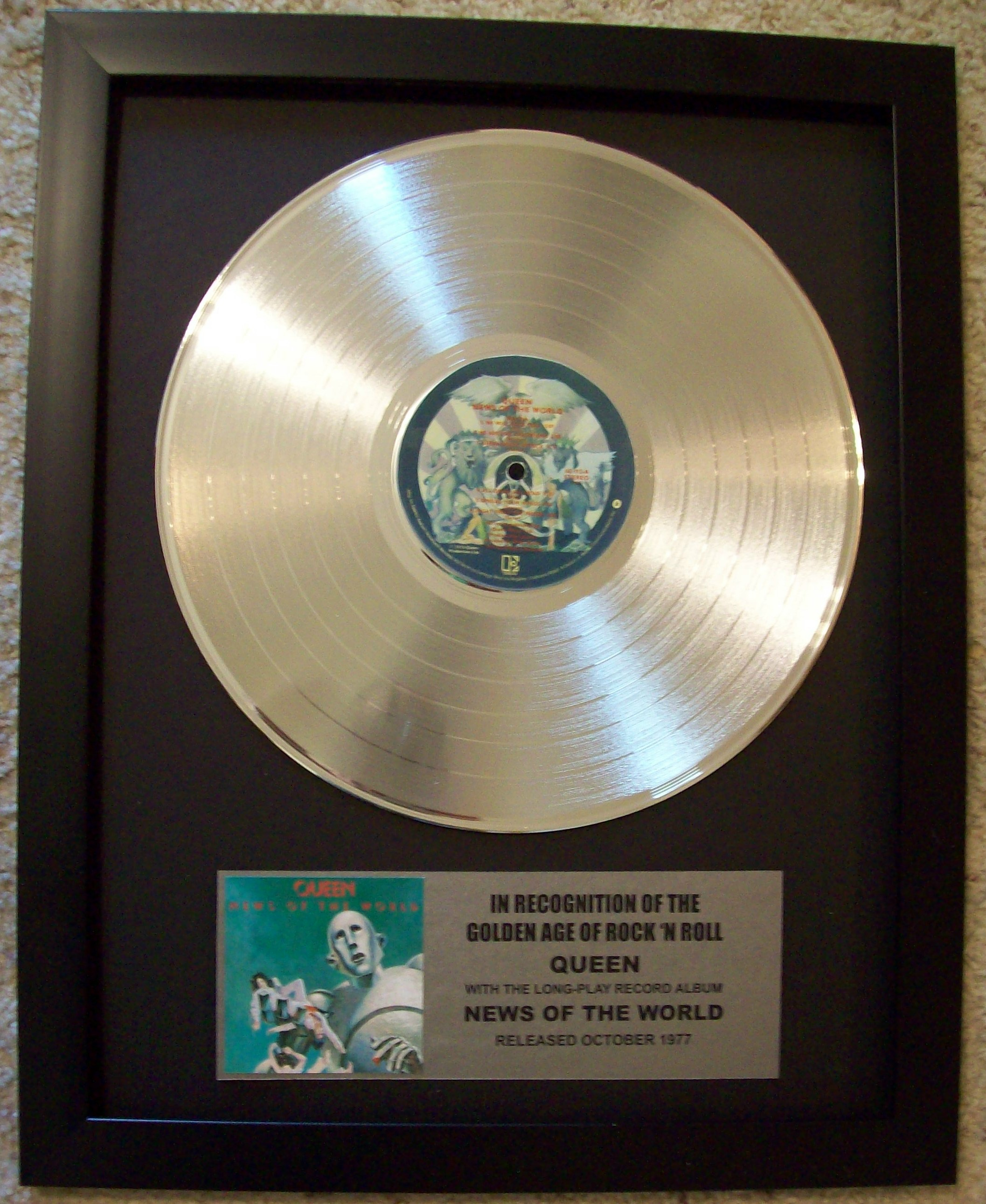 Image for Queen News Of The World Platinum LP Record